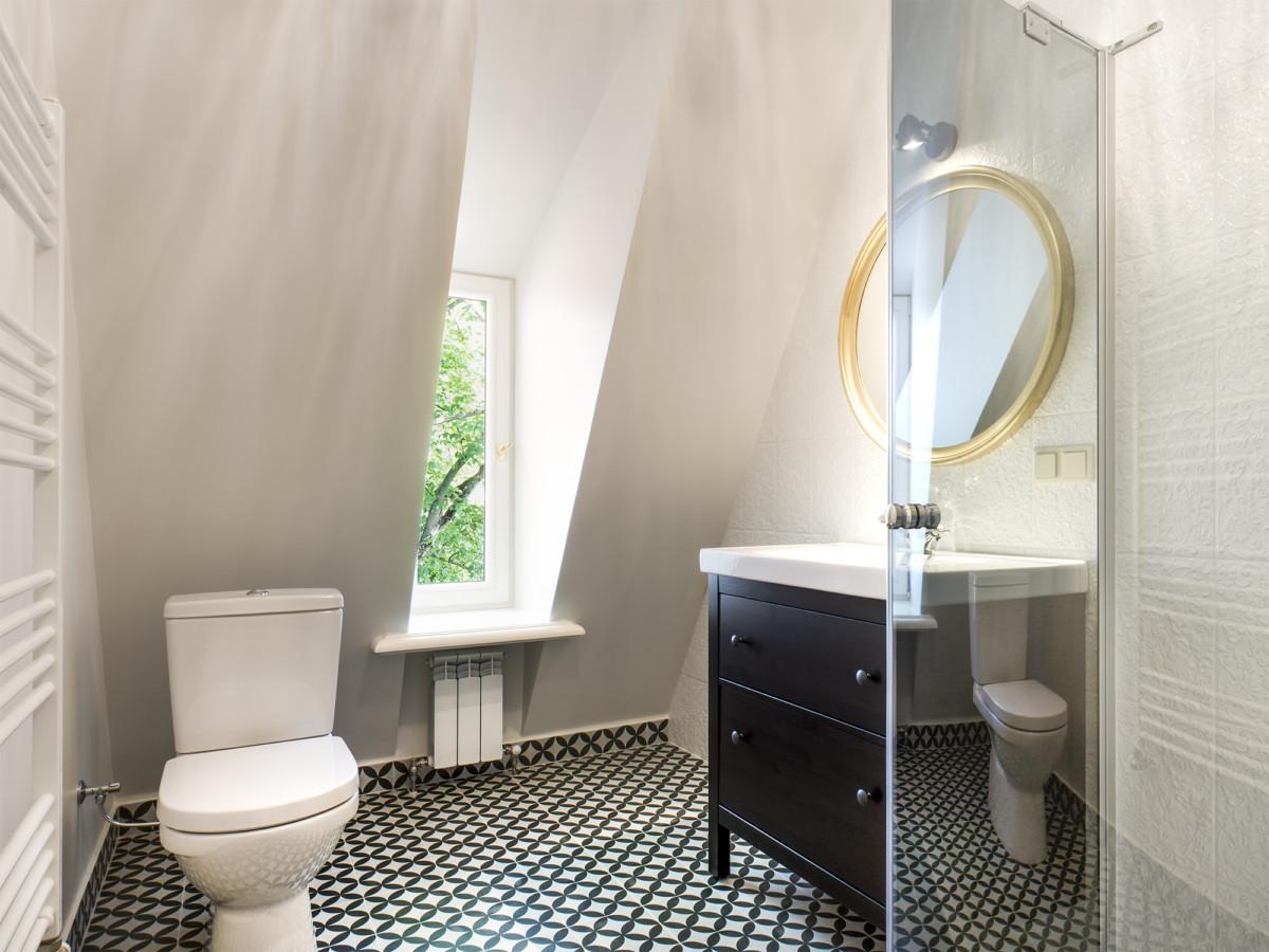 Камера в галереа туалетом